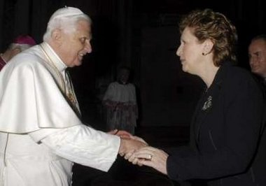 File:Ratzinger Mary McAleese.jpg