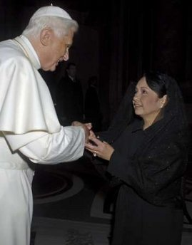 File:Ratzinger Gloria Macapagal-Arroyo.jpg