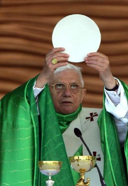 File:Pope ratzinger wafer 2.jpg